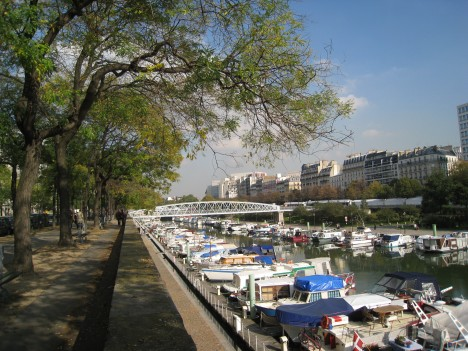 Port de Plaisance de Paris-Arsenal, looking towards the Bastille
