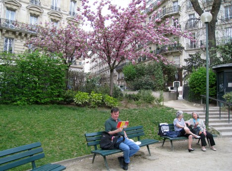 Clive in Square Marcel Pagnol, Paris