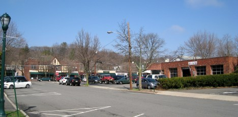 Dench's Service Station, Still Here