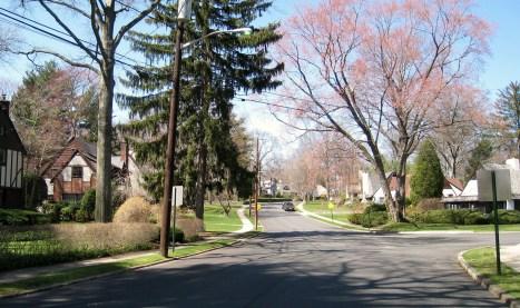 Gilbert Road, Ho-Ho-Kus, NJ