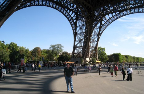 Clive under the Eiffel Tower