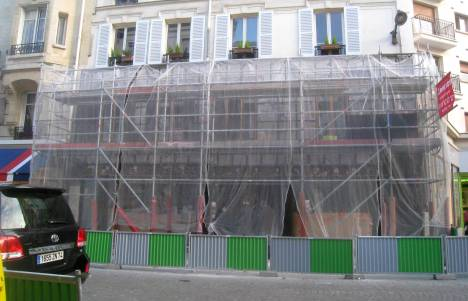 Behind the netting: our Paris local 05 March 2013