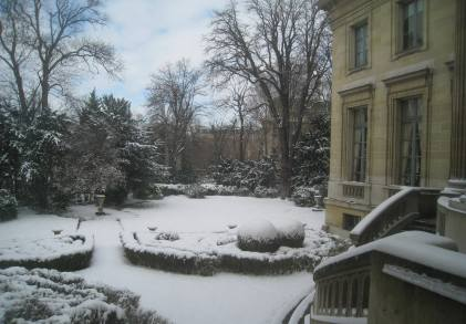 Snow-covered garden and Musée Nissim de Camondo, Paris