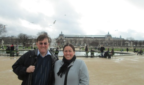 Clive & Kylie in the Tuileries, en route to Musée d'Orsay, Paris