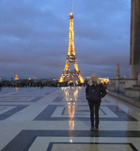 Me and reflections at Trocadéro this evening