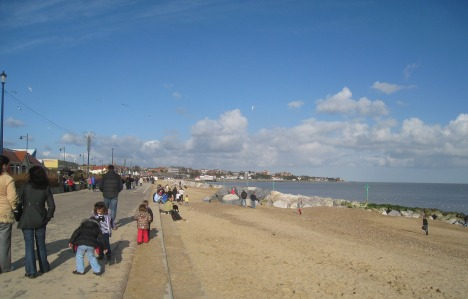 Winter Sunday on the Prom, Felixstowe
