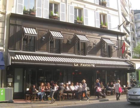 A Paris café