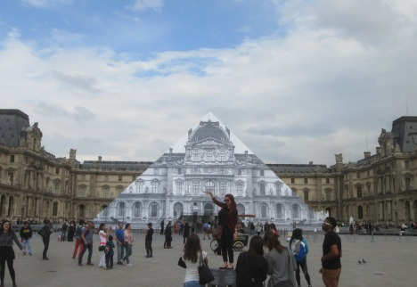 The Louvre Pyramid 'disappears'