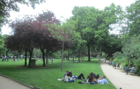 Hanging out in the Ranelagh Gardens, Paris