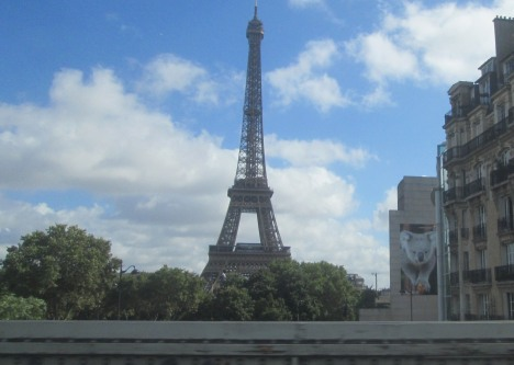 Hello Eiffel Tower & hello koala on the side of the Australian Embassy